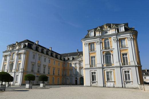 Sehenswürdigkeit Barock Schloss  Augustusburg in Brühl  barocke Gartenanlage