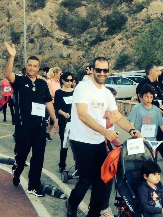 La marcha solidaria a favor del colegio comarcal Raquel Payà fue todo un éxito. Padres e hijos unidos por la escuela de educación especial