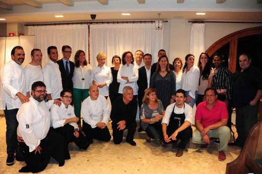 Destacados cocineros locales y nacionales en el Hotel Los Ángeles junto al resto de autoridades
