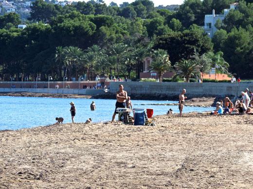 Playa de la Marineta Cassiana en noviembre