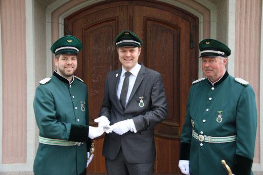 Major Benedikt Grebe, König Dr. Sebastian Schröder und Ehrenmajor Heinz Schröder