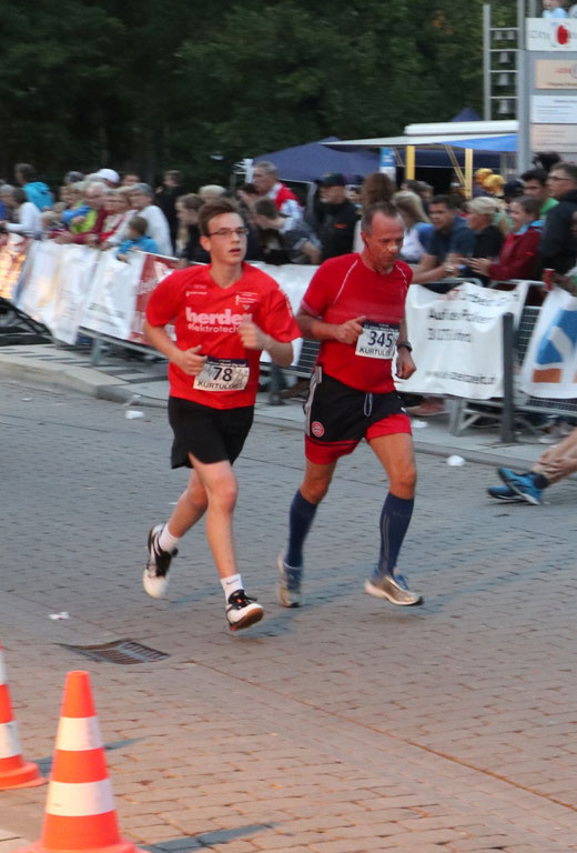 Tom Kretschmer, 10GC (links)