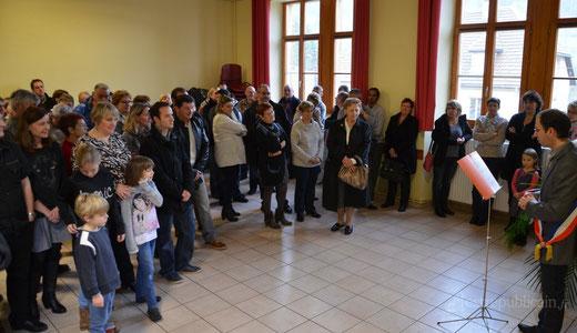 L'assistance à l'écoute du maire Gilles Magnin-Feysot.