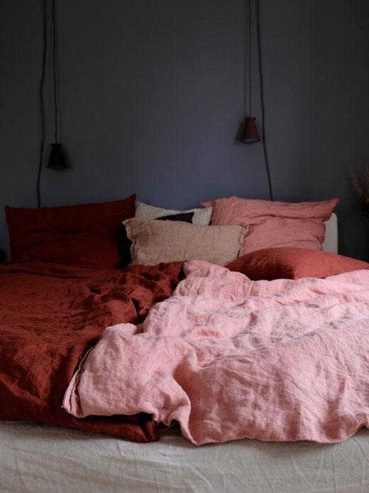 dieartigeBLOG // Schlafzimmer im Oktober, Leinen in Rost + Rosé
