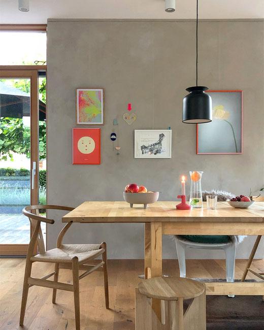 dieartigeBLOG - Esszimmer mit großem Esstisch + Wandgestaltung, Wanddekoration, Bildergalerie // diningroom, walldecor, picture wall