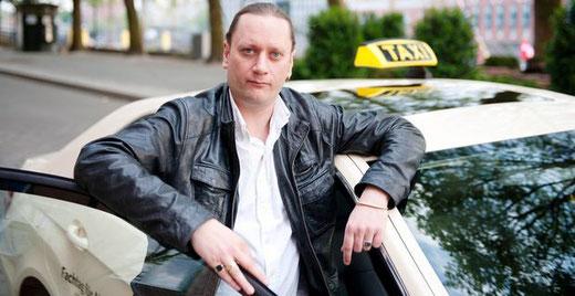 Marco Bark ist Taxifahrer und Vorsitzender von der Interessengemeinschaft Bremer Taxifahrer