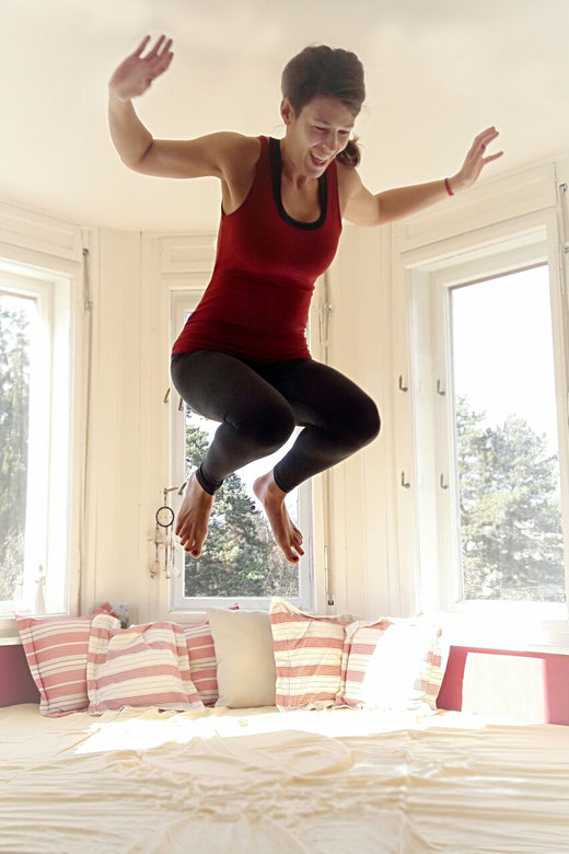 Freude! ~ 3 einfache Yoga-Übungen für gute Laune.