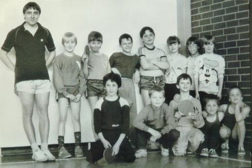 Betram Schleicher mit seinen Jüngsten (ca. 1985)
