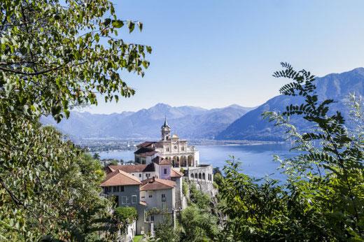 Die Sicht vom Hotel Villa Orselina reicht von den Alpen über den Lago Maggiore bis nach Italien.