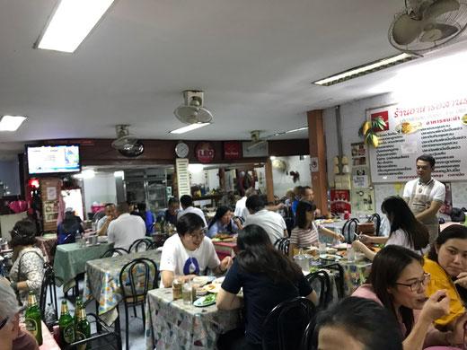 バンコクの街中の食堂