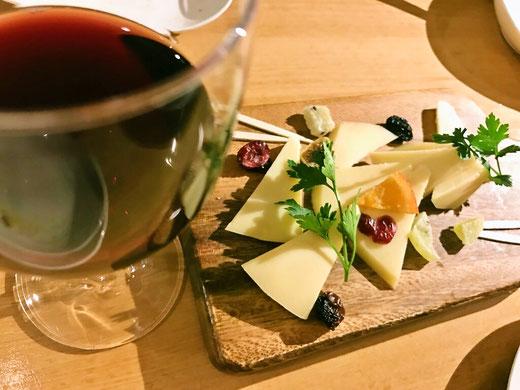 チーズの盛り合わせ バル&キッチン ソル