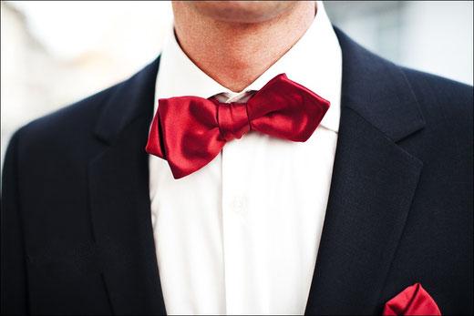 KLeidung freie Trauung Anzug Brautkleid Brautkleider Krawatte Zubehör freie Trauung Kleidung KLeid Kleider Brautkleid Anzug BRäutigam Tipps