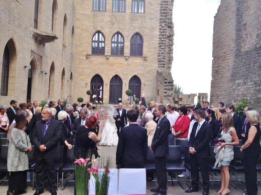 Neustadt an der Weinstraße freie Trauung Trauzeremonie Pfalz Neustadt WEinstraße freie Theologen Redner Prediger nichtreligiöse Trauzeremonie Zeremonie Neustadt