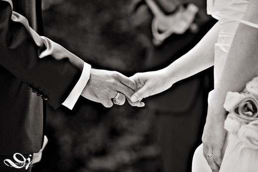 freie Trauung Mainz Hochzeit Rheinhessen freie Trauung Rheingau Wiesbaden Trauzeremonie Frankfurt Trauzeremonie Rhein-Main-Gebiet Hochzeit Heirat Heiraten Redner Trauredner freie Theologen Trauredner Romrod Schloss Romrod Alsfeld