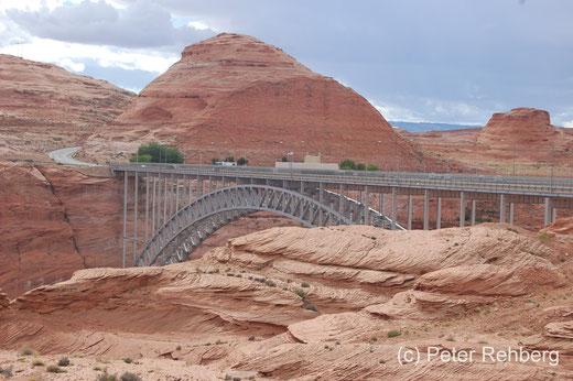 Glen Canyon Bridge in Page