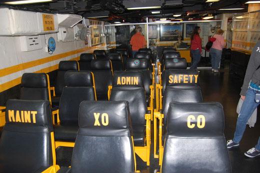Einer der Briefingräume für das fliegende Personal