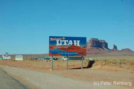 Kurz vor dem Monument Valley, die Grenze zu Utah