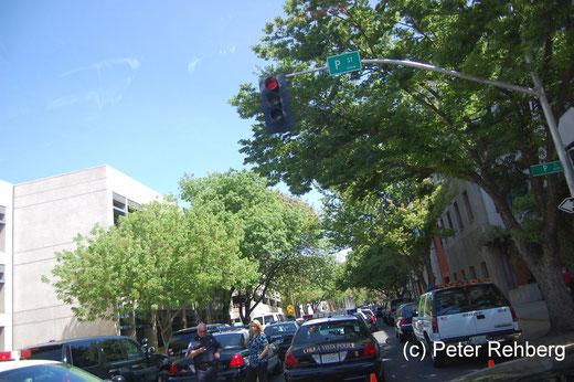 Sacramento: Polizei so weit das Auge reicht