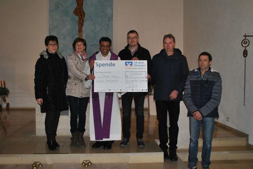 Spendenübergabe für die Bruder-Klaus-Kapelle Ramsenstrut