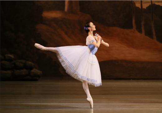 マリインスキー劇場で活躍する永久メイ ©State Academic Mariinsky Theater