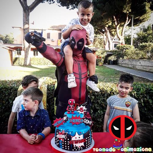 animazione costume Deadpool roma