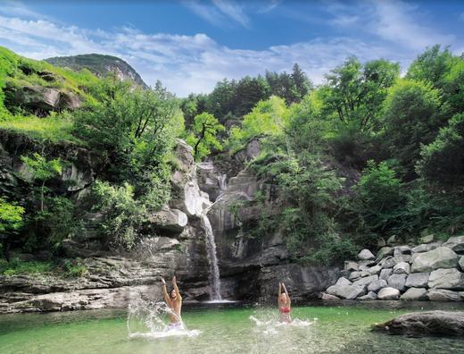 Das Badebecken der Wassefälle von Santa Petronilla.
