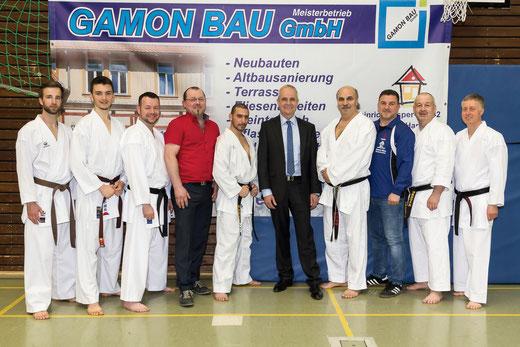 Landrat Thomas Brych besucht die Budo Sport-schule Goslar e. V. und würdigt Integrationsarbeit