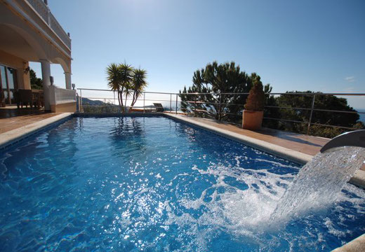 Les plus belles villas avec piscine et en bord de mer en location vacances à Lloret de Mar