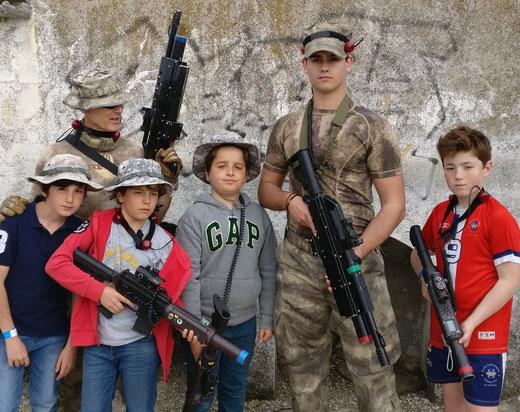 Elige el arma láser adecuada. En MadridLaserCombat.com tenemos variedad de modelos para que lo pases genial en tu evento