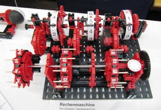 Rechenmaschine aus Fischertechnik