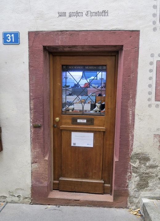 Das kleinste Museum der Schweiz: Das Hosesagg-Museum in Basel