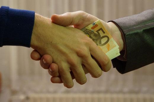 Geld leihen von Privat, heute Normalität