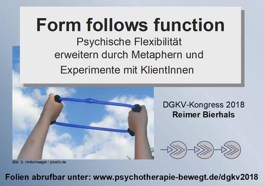 Workshop von Psychotherapeut Reimer Bierhals über paßgenaues Entwickeln von Metaphern und Erfahrungsübung beim ACT-Kongress der DGKV