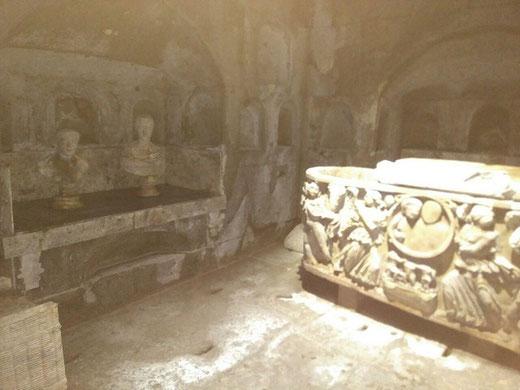 Einblick in die Römische Grabkammer Köln Weiden