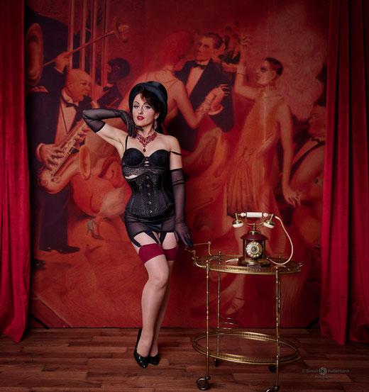 Burlesque Tänzerin Dia Décadence | Simon Hallermann Photography