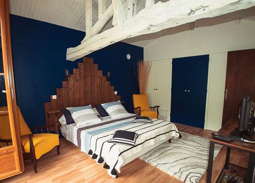 Chambre d'hôte AU BORD DE L'EAU avec balcon Domaine Quiescis - Hébergements insolites - Marcellus - Lot et Garonne