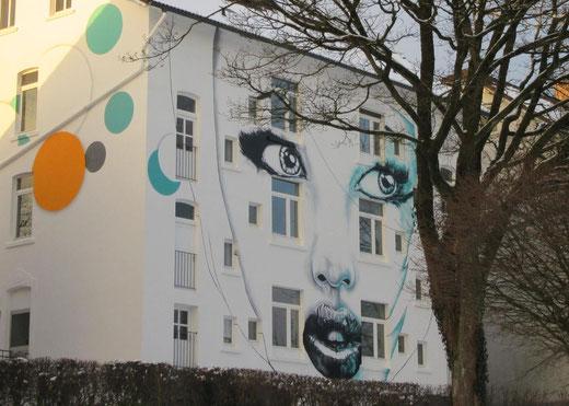 Die Räumlichkeiten der Kulturwerkstatt von Ins Blaue e.V. in Remscheid überraschen innen und außen (Bild: Katja Wickert).