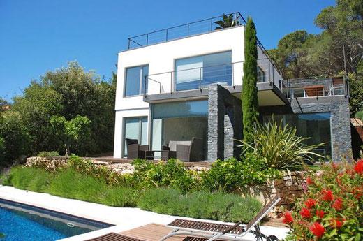 Belle maison de style contemporain à louer pour les vacances située à Sa Riera, Begur