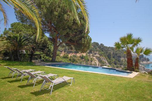 Belle villa à louer pour les vacances à Tossa de Mar sur la Costa Brava avec piscine privée, vue sur la mer et en bord de plage