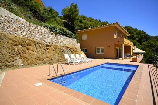 Location de maisons pour les vacances à Begur  avec l'agence ab-villa