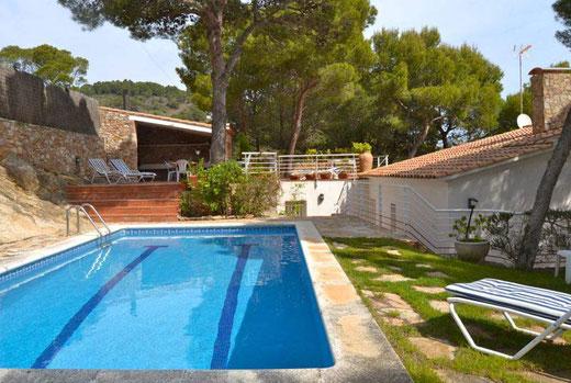 Location vacances Begur, maison individuelle avec piscine privée située dans un coin tranquille à 800 mètres de la mer à Begur,
