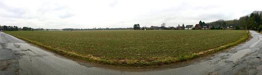 Die 19,6 Hektar große Ackerfläche zwischen der Gilleshütte und den beiden Landstraßen 31 und 381 wird in zwei Schritten bebaut: Mit der Erschließung wird bereits in diesem Monat begonnen. FOTO: Wiedner-Runo
