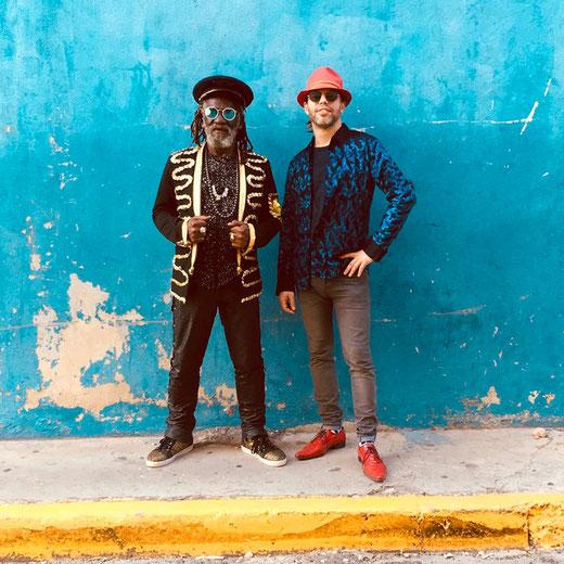 """Fruchtbare Zusammenarbeit mit 2013er-Welthit """"Garden Of Love"""": Winston McAnuff und François-Xavier Bossard alias Fixi. Winston McAnuff's frühe Singles """"Ugly Days"""" und """"Malcolm X"""" gelten heute als Reggae-Klassiker. Foto: Promo"""