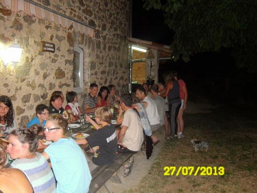 Possibilité de manger en terrasse en soirée