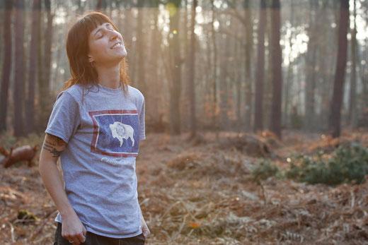 Selbstportrait, lonelyroadlover, Wald, nachdenklich, goldene Stunde