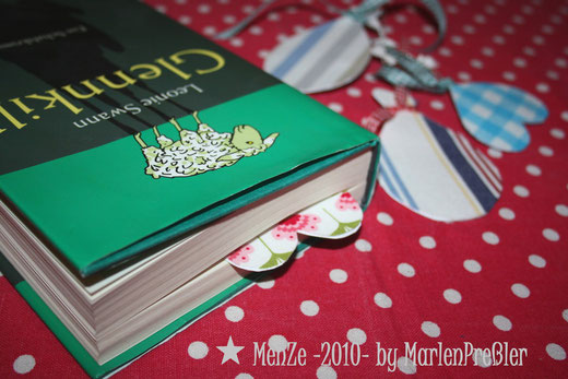 Lesezeichen, Marlen Preßler, unikate mit liebe, Menze 2010, stoffreste, buch, basteln