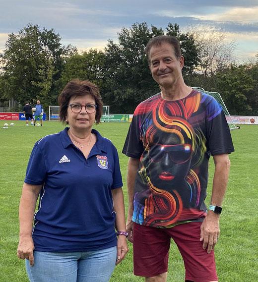 Monika Kuczinski, neue Abteilungsleiterin Gesundheitssport, und der 1. Vorsitzende Thomas Wicht. (Foto: Marschall/SSV)