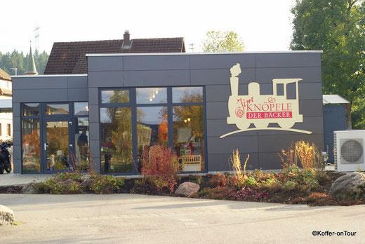 Das kleine Cafe Jim Knöpfle direkt an der Sauschwänzlebahn