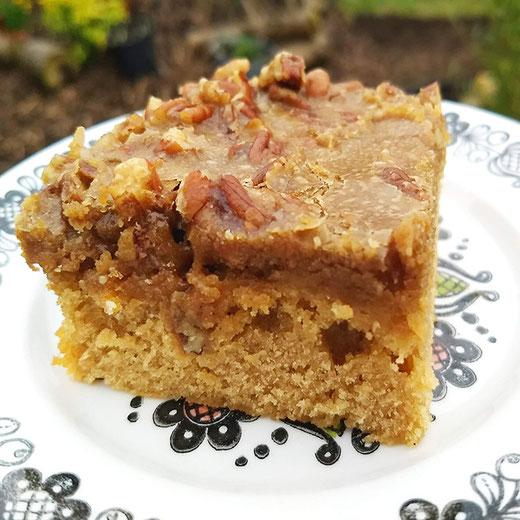 Caramelised Pecan and Expresso Pound Cake - Adventurous Cake Book