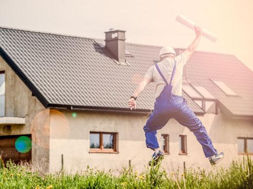 Freude herrscht: Baugesuche können neu online eingereicht werden. (Symbolbild)